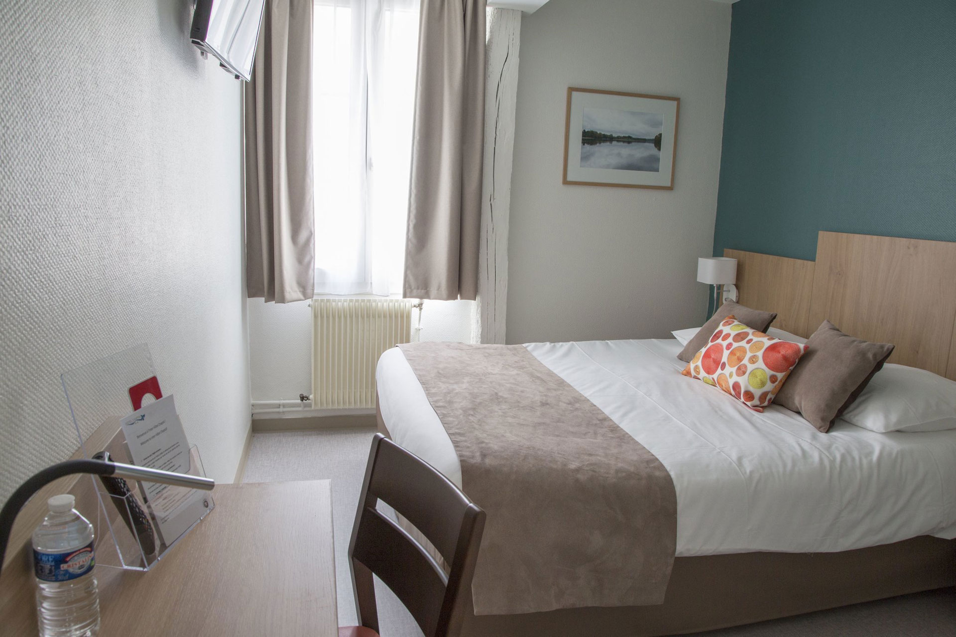 Mobilier et décoration chambre et lit Hôtel Chaptal