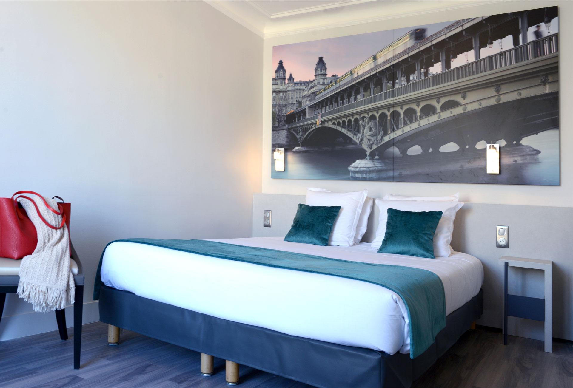 Chambre hôtel Astrid décorée par Denantes