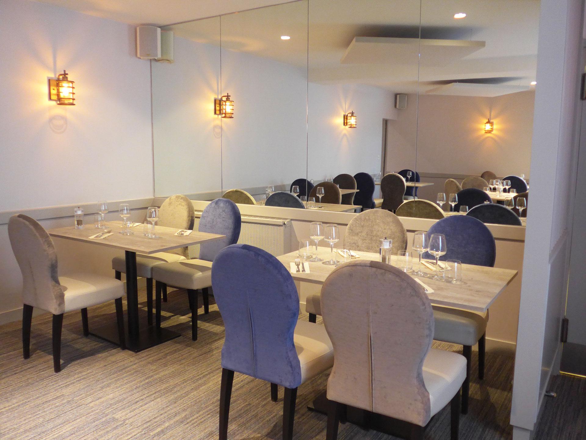 Mobilier Restaurant Les Acacias - Corme Royal
