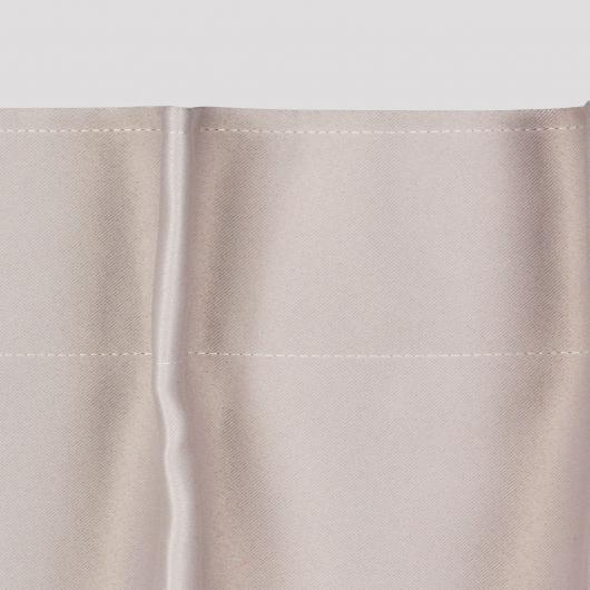 Zoom rideaux finition tête à plis crochets