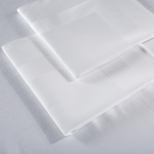 Serviettes de table satin bande satin