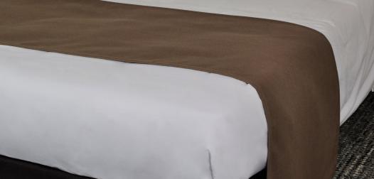 Chemin de lit plat - Showroom Denantes