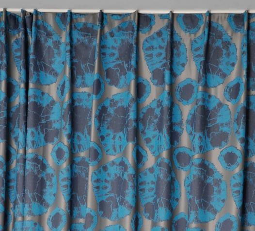 Zoom rideaux Tayenda finition tête à plis crochets