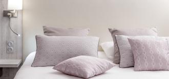Coussins et chemin de lit - collection de tissus 1723#2 - Showroom Denantes
